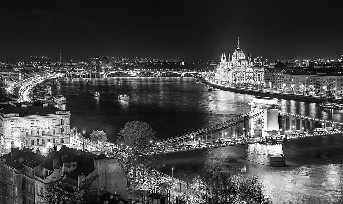 Budapest black and white